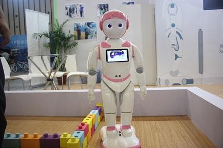 站上行业发展的风口 儿童智能教育机器人令人期待
