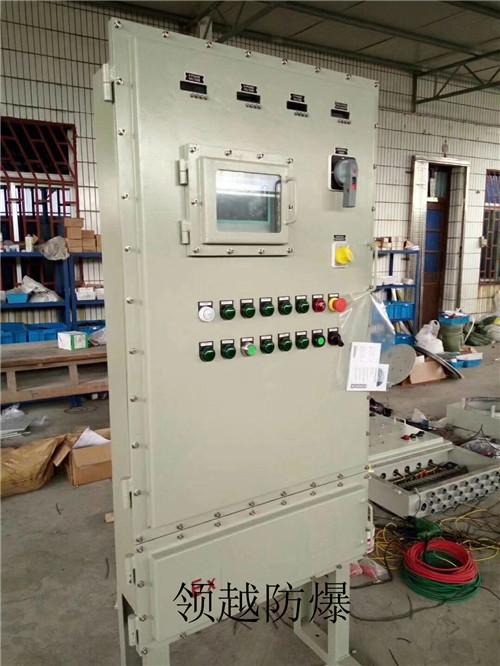柜内还装有电流表,电压表,自动空气开关,指示灯,交流接触器,工频变频